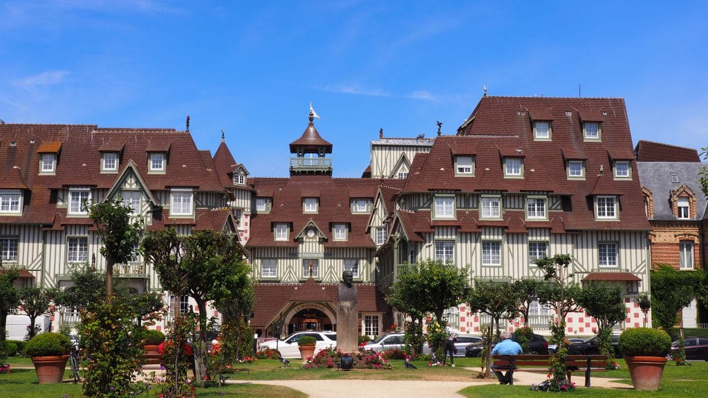 Hôtel le Normandy, la façade