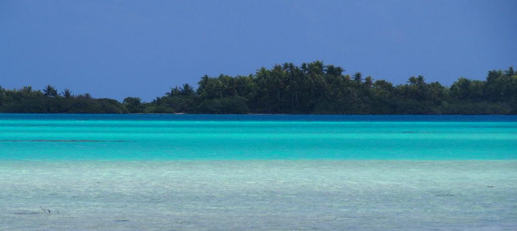 lagon bleu rangiroa